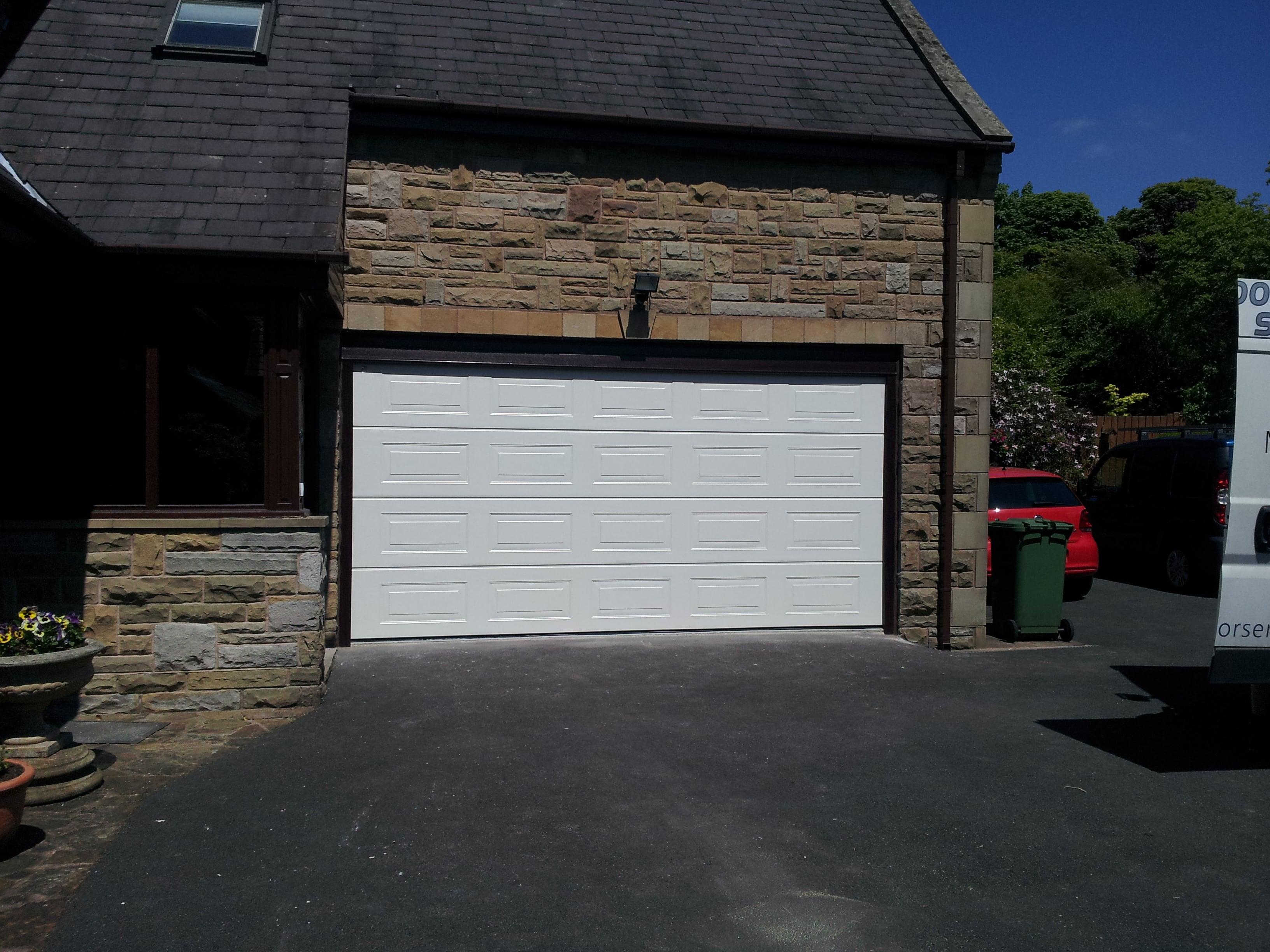 Sectional garage doors earby door services lancashire 20130815142322 20130604132633 20130913141414 20130123151027 20130326134424 20130917141302 20130917141558 20121003122130c rubansaba